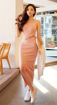 Curved Slit Sheath Dress #WomensFashion #KoreanFashion