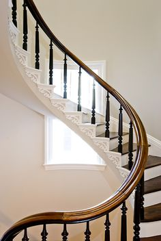 Inventive Staircase Design Tips for the Home – Voyage Afield Grand Staircase, Staircase Design, Curved Staircase, Spiral Staircases, Architecture Renovation, Fresh Farmhouse, Take The Stairs, Ivy House, Banisters