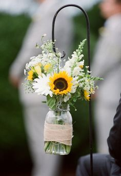 16 Stunning Summer Wedding Flowers----sunflower and twine wedding decorations for ceremony, outdoor wedding ceremony ideas Chic Wedding, Wedding Trends, Summer Wedding, Wedding Ceremony, Rustic Wedding, Wedding Day, Wedding Notes, Trendy Wedding, Dream Wedding