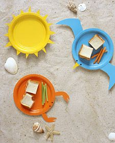 A picnic at the beach deserves the proper dishes -- what could be more fitting than colorful plates posing as a lobster, sun, and seagull? (Simple Instructions & Template) ... Kids would love these!