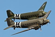 Daks over Normandy D-Day 75 Programme Biggest fleet of & Since - War Historical Photos Ww2 Aircraft, Military Aircraft, Aviation World, Landing Craft, History Online, Vintage Design, Vintage Colors, D Day, World War Ii