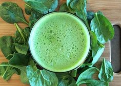 INGREDIENTS: 1 pear 2 handfuls of spinach 1 small head of broccoli 2 in (5 cm) piece of ginger 1 lemon 5 celery stalks ½ cucumber