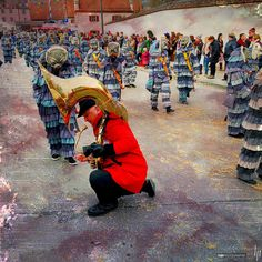 Lost & found   NZ RÄLLE ZWIEFALTEN   deutschland germany alemania badenwürttemberg landkreisreutlingen zwiefalten 999fas 276deu 276baw fasnet umzug parade desfile karneval carnival carnaval schwäbischalemannischefastna iphone6splus iphoneography mobilephotography hipstamatic hipstography beardlens cheshirefilm apolloflash hapephotographix maske larve mask máscara narrenzunft rälle musikverein sousaphon schwäbischalemannischefastnacht