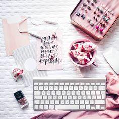 Hej ho! Moje sposoby na budowanie bazy subskrybentów są na www.jestrudo.pl. Omawiam tylko te testowane na własnej skórze :)  #flatlays #instamood #flatlay #flatlaystyle #instapicture  #flatlayforever #instapic #Pink #white #raffaello #iMac #girly #ilovepink #instagramdaily #photooftheday #picoftheday #instapic #instagramer #vscocam #beautiful #nice #nailpolish