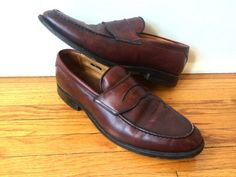 Vintage Allen Edmonds Hinsdale oxblood leather penny loafers, https://www.etsy.com/shop/flickaochpojke #menswear #mensfashion #mensaccessories #vintagestyle #dope #vintagefashion made in the USA.  Materials: Leather, Rubber  Size: Size 10. Please check