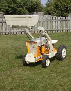 Gravely Mowers 730638739522289750 - Cub Cadet 100 Source by patsouchet Small Garden Tractor, Garden Tractor Pulling, Yard Tractors, Small Tractors, International Tractors, International Harvester, Wheel Horse Tractor, Cub Cadet Tractors, Homemade Tractor