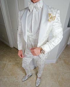 S by Sebastian Zar Bianco Dinner Jacket Mens Fashion Suits, Mens Suits, Fashion Outfits, Fashion Trends, Wedding Dresses Men Indian, Wedding Suits, White Tuxedo Wedding, White Dress Shoes, Nigerian Men Fashion