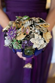 Love this idea. Gather vintage brooches from each family member (they can be family heirlooms or newly acquired from thrifts, sales etc). Build a bouquet she will always have with her. Love, love, love this.