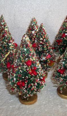 VINTAGE GREEN BOTTLE BRUSH CHRISTMAS TREES W/MULTICOLOR MICA SNOW,BERRIES