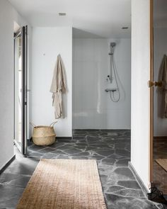 Small Bathroom, Bathrooms, Helsinki, Bath Mat, Bathing, Sweet Home, Storage, Inspiration, Home