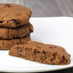 Prot: 10g, Carbs: 9g, Fat: 8g, Cal: 149       I went on a little pumpkin baking spree recently, and these Pumpkin Chocolate Chip Protein Cookies were a big hit! Have two for breakfast, and you're off to a great day!  These are similar to myChocolate Raspberry Protein Sugar