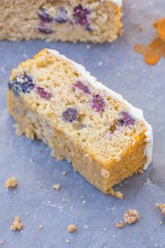 Healthy Flourless Lemon and Blueberry Breakfast Cake- Light and fluffy on the inside tender on the outside with a hint of citrus; have a guilt free dessert for breakfast- NO butter oil flour or sugar! Lemon Blueberry Loaf, Blueberry Breakfast, Blueberry Cake, Breakfast Cake, Blueberry Recipes, Paleo Breakfast, Breakfast Ideas, Protein Rich Snacks, Protein Bars