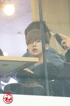 Ikon Wallpaper, Wallpaper Backgrounds, Kim Hanbin Ikon, Kpop, New Kids, K Idols, A Team, Airport Style