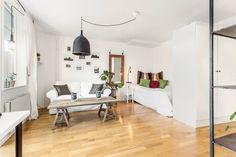 Un estudio de 33 m2 decorado con muebles recuperados   Decoración