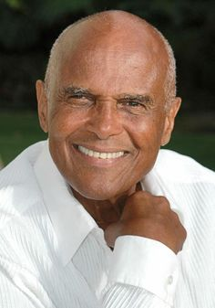 Harry Belafonte : Bald Men of Style Harry Belafonte, Older Mens Hairstyles, Top Hairstyles, My Black Is Beautiful, Gorgeous Men, George Clooney, Bald Men, Aging Gracefully, Famous Faces