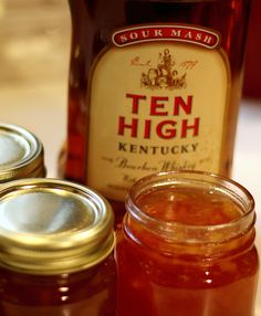 Did you know South Carolina actually outranks Georgia – the Peach State – in the production of peaches? During a normal year, South Car. Jam Recipes, Canning Recipes, Jelly Recipes, Bourbon Recipes, Peach Butter, Apple Jam, Peach Jam, Baked Ham, Caramel Apples