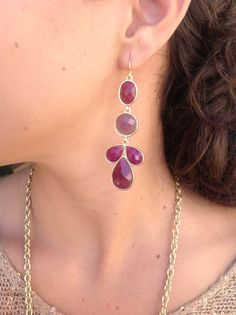 $20 Berry linear earring