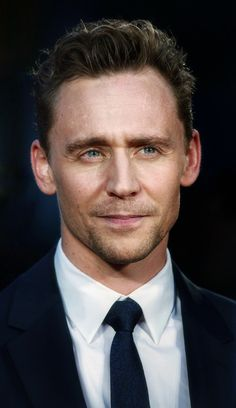 Tom Hiddleston. (Edit by the-haven-of-fiction.tumblr: http://the-haven-of-fiction.tumblr.com/post/162756773278 )
