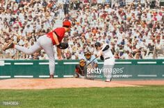 ストックフォト : Baseball player hitting a pitch