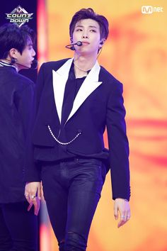 #RM // 180607 #MCOUNTDOWN '1위' 글로벌 대세 '방탄소년단'의 'FAKE LOVE' 무대 #방탄소년단(#BTS) - #FAKE_LOVE ♪