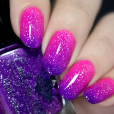 Nail polish High Contrast A purple to neon pink thermal with silver flakes The post Nail polish High Contrast A purple to neon pink thermal with silver flakes appeared first on nageldesign. Purple Nail Designs, Nail Art Designs, Nails Design, Gel Nail Polish Designs, Nail Designs For Summer, Purple Nails, Glitter Nails, Neon Purple, Blue Nail