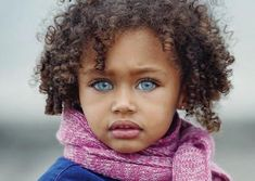 Blue Eye Facts, Blue Eye Kids, Black With Blue Eyes, Most Beautiful Eyes, Amazing Eyes, Black Mother, Baby Faces, Beautiful Children, Little People