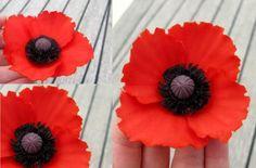 Tutorial – red poppy, part 1 – tarttokig Fondant Bow, Fondant Flowers, Sugar Flowers, Paper Flowers, Fondant Cakes, Fondant Flower Tutorial, Poppy Cake, Poppy Pattern, Gum Paste Flowers