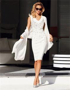 Kleid mit Strass, Schal mit Kaschmir und Seide. #madeleinefashion