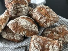 Helpoimmat sämpylät ikinä | Arjen nopeat, Aamiaiset, Suolainen leivonta, Lisukkeet | Soppa365 Bread, Food, Brot, Essen, Baking, Meals, Breads, Buns, Yemek