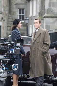 Claire and Frank in Inverness :-) Outlander Starz