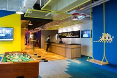 A Tour of The Wave's Hong Kong Coworking Space - Officelovin