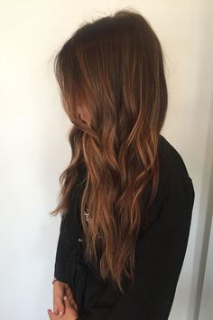 These Are Fall's Most In-Demand Hair-Color Trends #refinery29 http://www.refinery29.com/2016/09/123099/la-fall-hair-color-trends-photos#slide-13 Trend: Rich BronzeColorist: Tauni DawsonSalon: Nine Zero OneWhat To Ask For: A warm, rich brown with subtle, golden piecesDawson describes this...