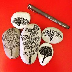 Tree pebble art