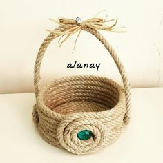 We have talked in the past about DIY decorations and rope crafts. So today we have some new unique DIY ideas with rope decoration.This Pin was discovered by Sul Jute Crafts, Diy Arts And Crafts, Craft Stick Crafts, Handmade Crafts, Sisal, Rope Decor, Rope Basket, Flower Basket, Ethnic Bag