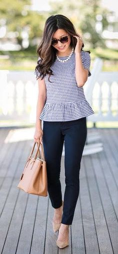 22 Stylish and Gorgeous Work Outfits For Women Over 35 To Inspire You - Summer Work Outfits Summer Office Outfits, Spring Work Outfits, Casual Work Outfits, Business Casual Outfits, Professional Outfits, Mode Outfits, Work Casual, Fashion Outfits, Outfit Work