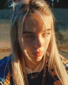 Get To Know Pop Saviour Billie Eilish Billie Eilish, Shawn Mendes, Ariana Grande, Pretty People, Beautiful People, Missing You So Much, American Singers, Foto E Video, Justin Bieber