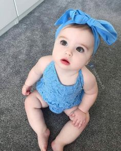 Cute Kids Pics, Cute Baby Girl Pictures, Cute Baby Boy, Cute Little Baby, Baby Kind, Baby Love, Funny Baby Clothes, Funny Babies, Cute Babies