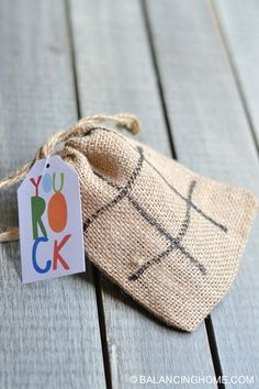 Tic Tac Toe Activity Craft Gift    #DIY  #craft http://www.laladecor.com/