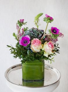 HEPATICA everyday arrangement (anemone, roses, hydrangea, heather, star of bethlehem) – photo: QUARTER design studio