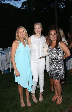 Kelly Rutherford Photos  - Hamptons Magazine Celebrates A Ladies Private Dinner Hosted By Samantha Yanks - Zimbio