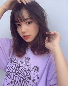 หั่นสั้นให้ได้ลุคชิค กับ ผมยาวประบ่า สไตล์ผู้หญิงเท่ผสมเปรี้ยว สวยเฉียบ ชิคกว่าใคร Cute Korean Girl, Asian Girl, Medium Hair Styles, Short Hair Styles, Girl Short Hair, Ulzzang Girl, Pretty Face, Cute Couples, Girl Hairstyles