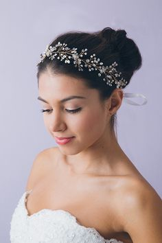 Perfect starry bridal halo for up-do, half-up, hair-down, bun, and braid. See more beautiful headpieces from @lyoungbrand → lyoungbrand.com