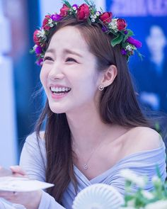 She is freaking gorgeous! A blissful Morning to everyone. Real Account: etc. (Credit_to_PMY DC) Korean Male Actors, Korean Actresses, Korean Celebrities, Asian Actors, Actors & Actresses, Girl Actors, Prity Girl, Park Min Young, Stylish Girls Photos