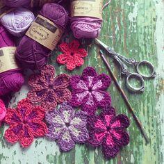 Crochet Flowers https://www.facebook.com/AttysLoveForCrochet?ref=hl