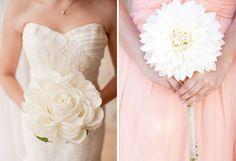 Bouquets de mariée originaux. Scott Andrew (Photo 1). Brit Rene Photo (Photo 2)