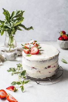 Classic Vanilla Cake with Strawberry Basil Compote … klassischer Vanillekuchen mit Erdbeer-Basilikum-Kompott … Strawberry Vanilla Cake, Vanilla Cake With Strawberries, Cupcakes, Cupcake Cakes, Sweet Recipes, Cake Recipes, Dessert Recipes, Just Desserts, Birthday Cakes