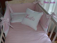 Conjunto de sabanas, cubrealmohadas, funda nórdica y chichonera para bebé con complementos para baño de petitdudu