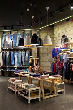 Renuar fashion store by Bilgoray Pozner, Herzelia   Israel store design