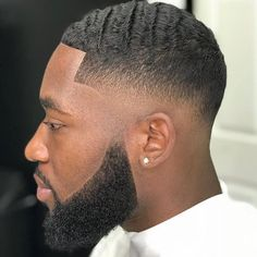 95 Awesome Bald Fade Haircuts for Men 2020 - Hairstyles Ideas Black Man Haircut Fade, Low Taper Fade Haircut, Short Fade Haircut, Black Hair Cuts, Best Fade Haircuts, Black Men Haircuts, Black Men Hairstyles, Medium Hairstyles, Classic Mens Hairstyles