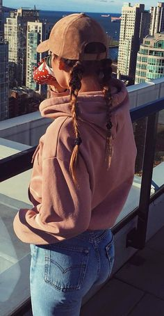 cute+outfit+idea+:+hat+++sweatshirt+++jeans